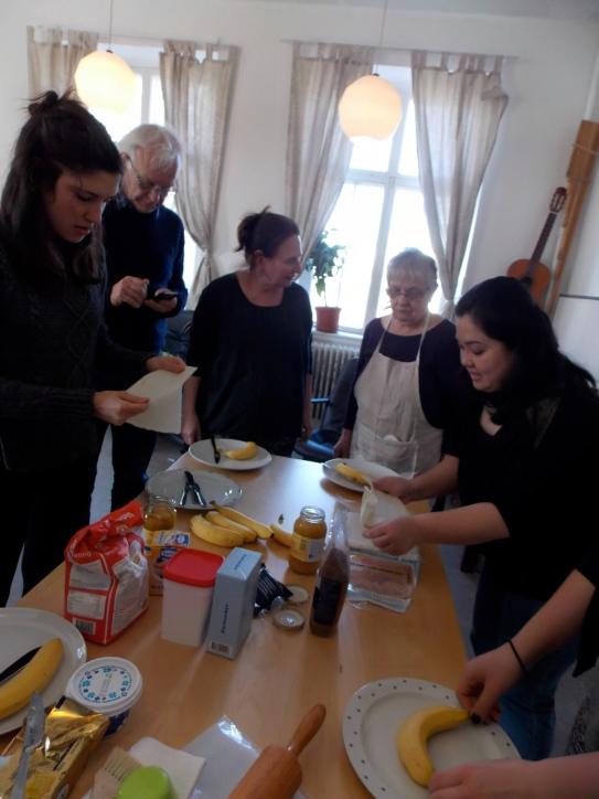 Kim demonstrates how to prepare 'turon'